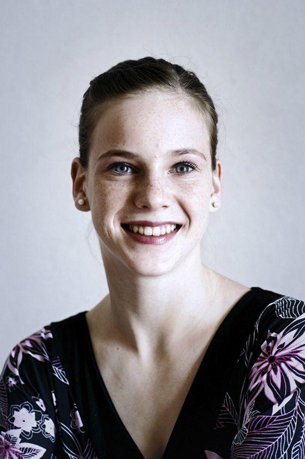 Portrait-CV-22